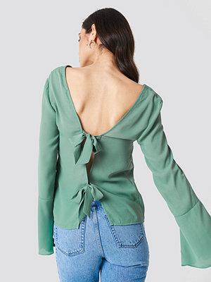 NA-KD Tie Back Wide Sleeve Blouse grön