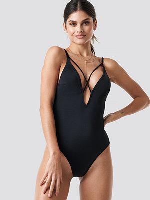 Trendyol Cross Back Swimsuit svart