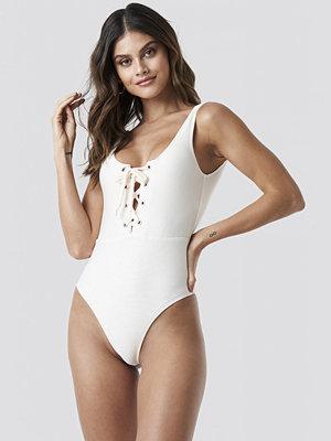 NA-KD Swimwear Ribbed Lace Up Swimsuit vit