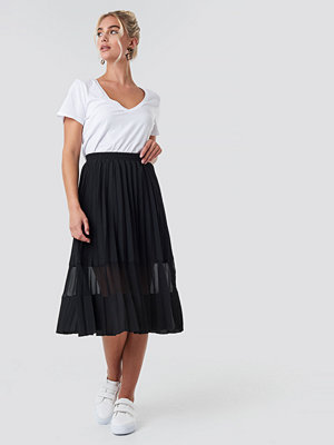 NA-KD Trend Co-ord Pleated Panel Midi Skirt svart