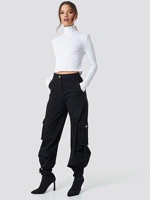 Ivana Santacruz x NA-KD svarta byxor Cargo Pants svart