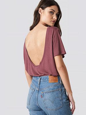 T-shirts - NA-KD Viscose Deep Back Tee rosa