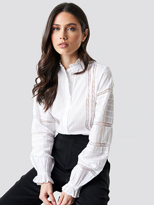 NA-KD Boho Lace Insert Volume Sleeve Shirt vit