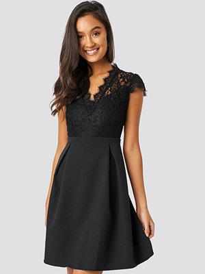 Trendyol Lace Collar Mini Dress svart