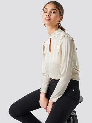 Blusar - Trendyol Collar Detailed Satin Blouse beige