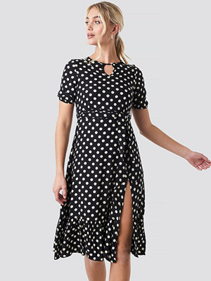 Trendyol Yol Polka Dot Midi Dress svart