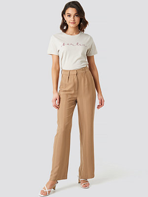 NA-KD Striped Wide Trousers beige byxor