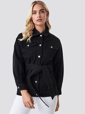 Jeansjackor - NA-KD Trend Belted Denim Jacket svart