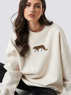 Beyyoglu Tiger Sweatshirt vit