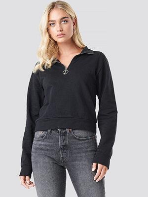 NA-KD Half Zip Pullover svart