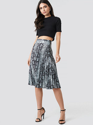 Trendyol Snake Pattern Pleated Skirt multicolor