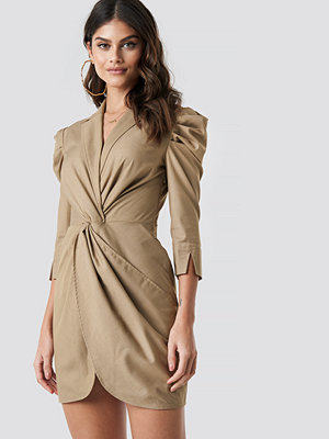 Tina Maria x NA-KD Front Knot Shirt Dress beige