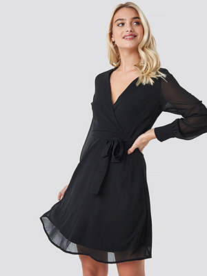 Sisters Point Gerdo Dress svart