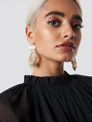 NA-KD Accessories smycke Oversize Textured Earrings guld