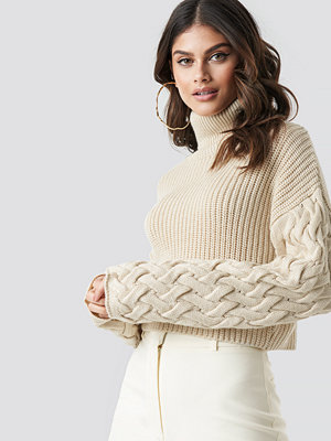 Tina Maria x NA-KD Sleeve Detail Knitted Sweater beige