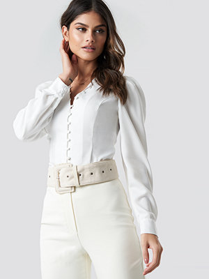 Tina Maria x NA-KD Front Button Puffy Sleeve Blouse vit