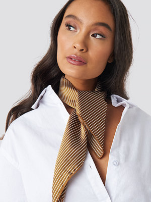 NA-KD Accessories Big Fine Striped Satin Scarf brun röd