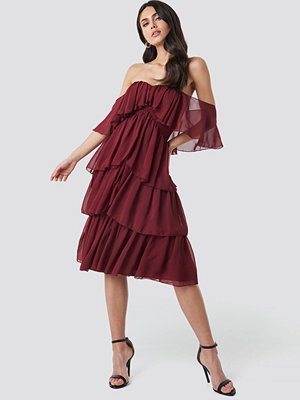 Trendyol Yol Flywheel Midi Dress röd