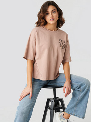 NA-KD Yes Oversized Tee beige