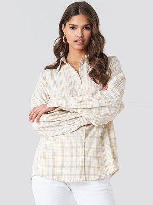 Skjortor - NA-KD Classic Structured Wide Cuff Checkered Shirt vit beige