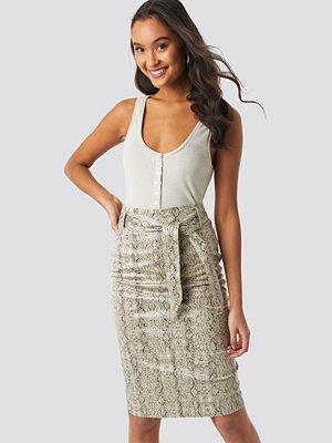NA-KD Trend Belted Snake Skin Skirt beige
