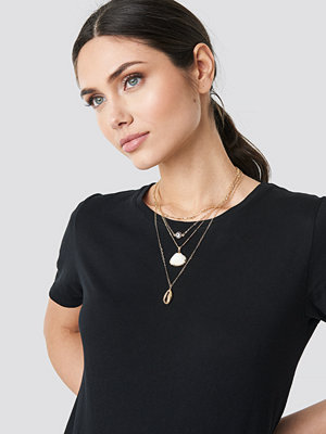 NA-KD Accessories smycke Layered Shell Necklace guld