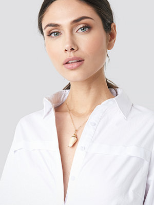 NA-KD Accessories smycke Long Shell Necklace guld