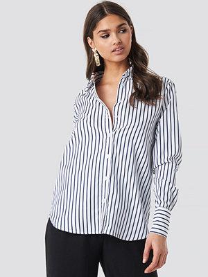 Skjortor - NA-KD Classic Wide Collar Striped Shirt vit blå