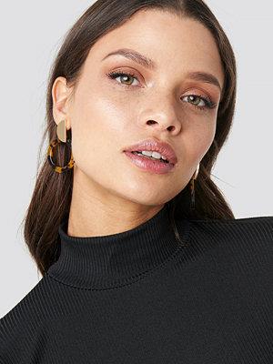 Chloé B x NA-KD smycke Round Resin Earrings brun