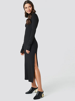 Chloé B x NA-KD Polo Side Slit Midi Dress svart