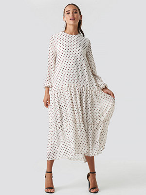 NA-KD Boho Dotted Ruffle Chiffon Dress vit
