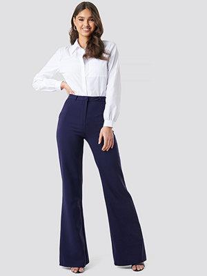 Trendyol marinblå byxor Milla Wide Pants blå