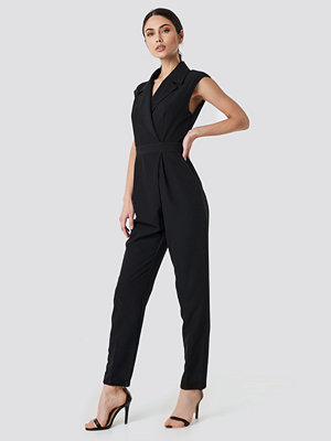 NA-KD Party Collared Waistband Jumpsuit svart