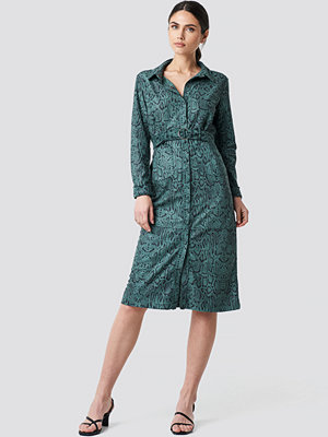 NA-KD Faux Leather Belted Dress grön