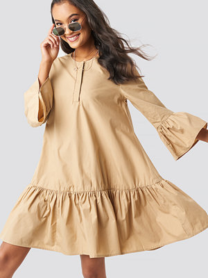 NA-KD Boho Trumpet Sleeve Flounce Dress beige