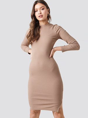 NA-KD Ribbed Jersey Long Sleeve Dress beige