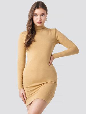 NA-KD Polo Neck Dress beige