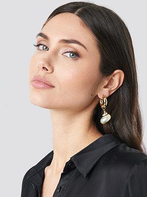 NA-KD Accessories smycke Mini Shell Hoop Earrings guld