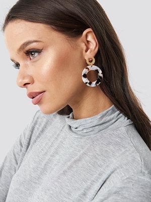 NA-KD Accessories smycke Round Tortoise Earrings svart vit