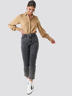 NA-KD Trend Cropped 5 Pocket Jeans grå