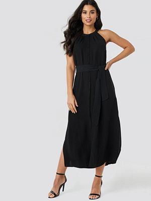 Trendyol Binding Detail Midi Dress svart