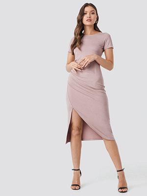 NA-KD Draped Jersey Dress rosa