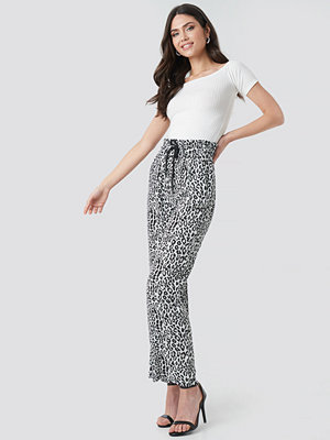 NA-KD mönstrade byxor Paperbag Wide Leg Trousers multicolor