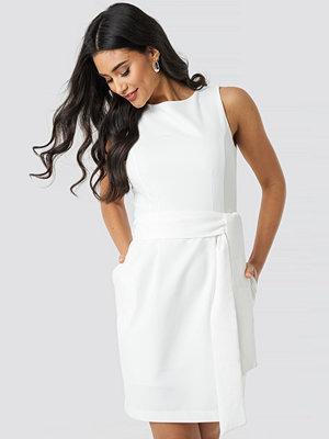 Trendyol Milla Belted Mini Dress vit