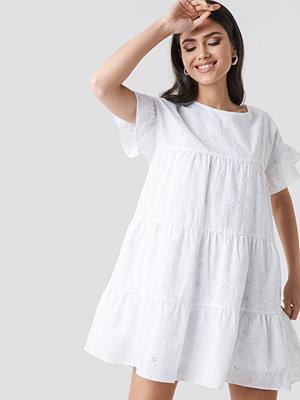 NA-KD Boho Broiderie Anglais Mini Dress vit
