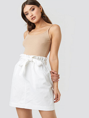 NA-KD Paper Bag Waist Denim Mini Skirt vit