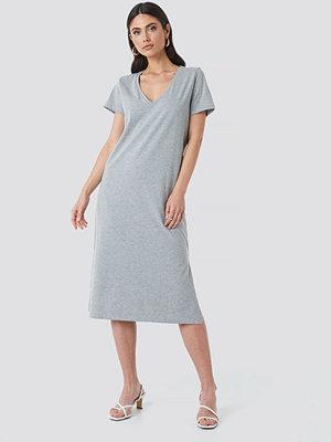 NA-KD V-neck Jersey Dress grå
