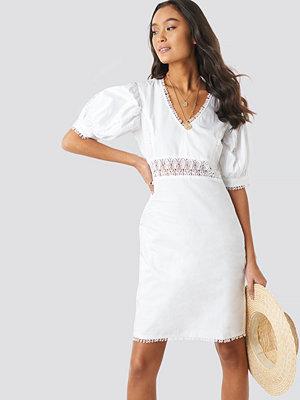 NA-KD Boho V-Neck Crochet Detail Dress vit