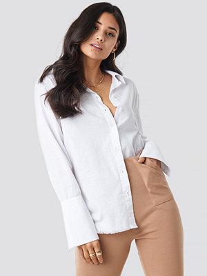 Iva Nikolina x NA-KD Sleeve Detail Shirt vit