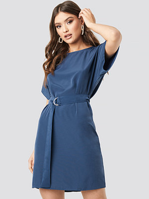 Trendyol Arched Dress blå